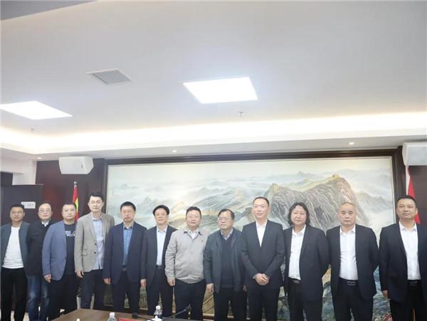 景德镇城投集团与景德镇市政工程公司合作签约仪式举行